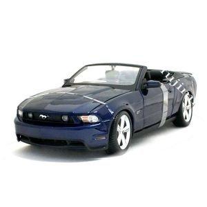 Amazon Com 2010 Ford Mustang Gt Dark Blue 1 18 Maisto Toys Games