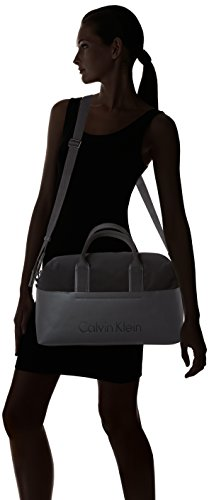 Calvin Klein Susi3 Medium Gym Bag - cartella Donna, Schwarz (Black), 17.5x25x40 cm (L x H D)