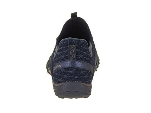 Le Donne Di Skechers Respirano La Moda Semplice Della Sneaker Della Marina