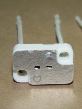 MR16 MR11 GX5.3 Bi-Pin Rectangular Porcelain Socket For Applications such as MR-16 MR-11 LED SMD G4 Halogen Based Light Bulbs