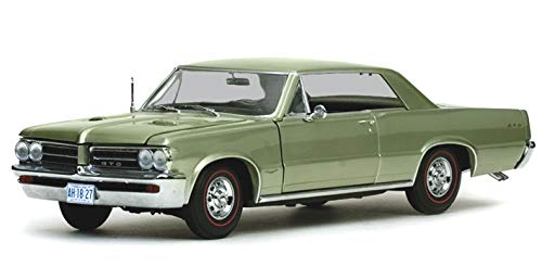 - 1964 Pontiac GTO Pinehurst Green 1/18 by Sunstar 1827