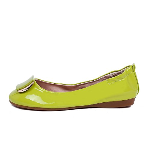 AllhqFashion Damen Niedriger Absatz Lackleder Rein Ziehen auf Rund Zehe Pumps Schuhe Grün