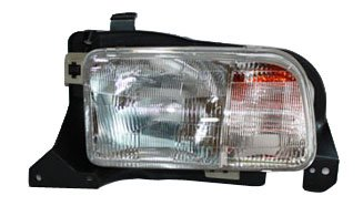(TYC 20-6366-00 Chevrolet Tracker Driver Side Headlight Assembly)
