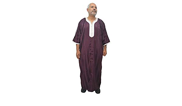 Elegante chilaba, djellaba, túnica, caftán Modelo árabe, Marruecos ...
