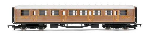 Hornby R4332 Railroad LNER Teak Composite