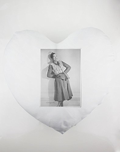 Heartshaped pillow with Josephine Baker a famous entertainer.