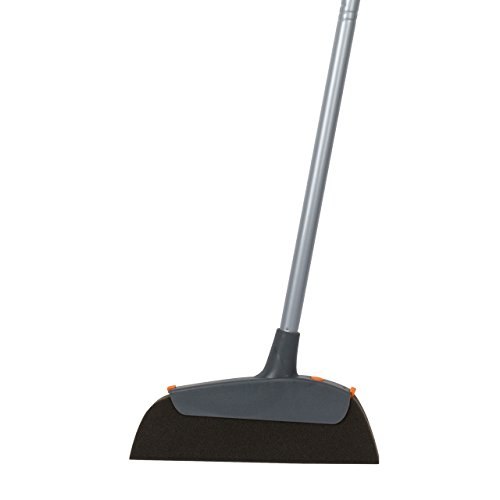 Casabella Magnet Pet Broom with with 3 Piece Pole - Boxed