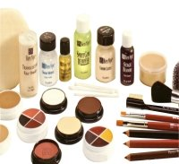 Ben Nye Creme Foundation (Ben Nye Professional Crème Make-up Kit Brown Light TK-5)
