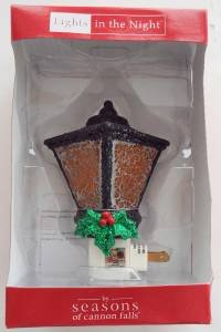 Brand New Large Seasons Of Cannon Falls Lamp With Garland & Holly Night Light ()