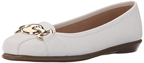 Between White Ballet in Flat by Women's A2 Aerosoles wxqTIBH