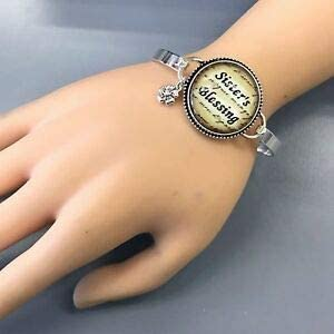 Silver Tone Sisters Blessing Phrase Design Bubble Pendant Bangle Bracelet Fashion Jewelry for Women Man