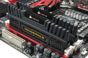 Corsair Vengeance 16GB (2 x 8 GB) DDR3 1600 MHz (PC3 12800) Desktop Memory (CMZ16GX3M2A1600C10) 31Q+pSc4dGL