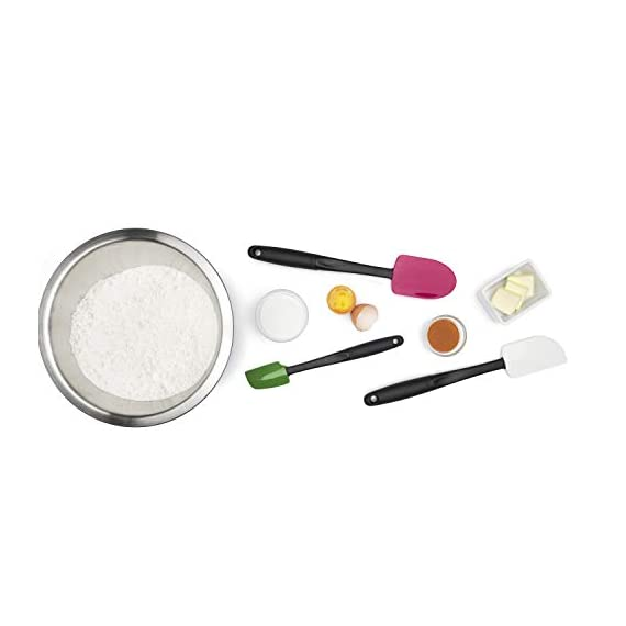 Oxo Good Grips 3-piece Silicone Spatula Set 10 3-Piece Silicone Set includes: Small Spatula, Medium Spatula and Spoon Spatula Small Spatula ideal for reaching food in jars and other tight spaces Medium Spatula features rounded edge for scraping bowls and square edge for pushing batter into corners