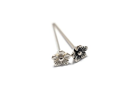[Cherry Blossom Flower Nose Stud / Cartilage Stud.,Silver Base (Silver)] (Esmeralda Costume Diy)