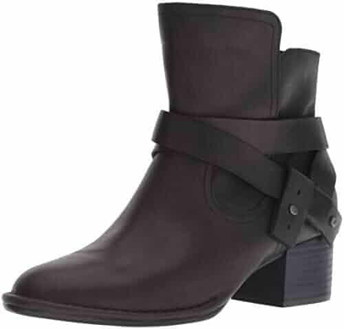 0466e4a5d20 Shopping ShoeMall - UGG or ASICS - Outdoor - Shoes - Women ...