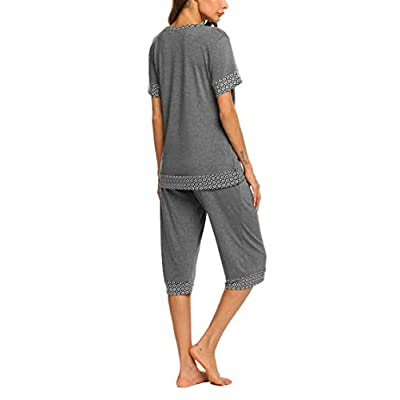 Hotouch Women's Pajama Set Stylish Print O-Neck Short Sleeves Top with Capri Pants Sleepwear Pjs Sets at Women's Clothing store