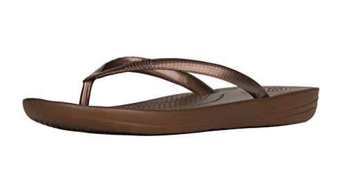 5db6deff860fb Galleon - FitFlop Trade  Womens IQushion Trade  Super-Ergonomic Flip Flops  Bronze Size 5