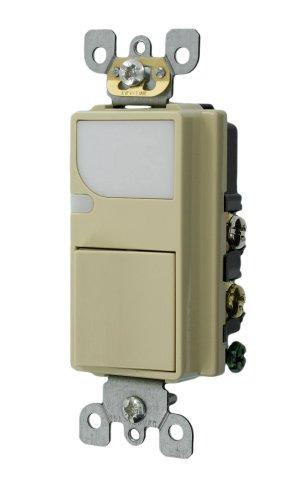 Leviton 6526-I 15-Amp 120V AC Combination Decora Switch with