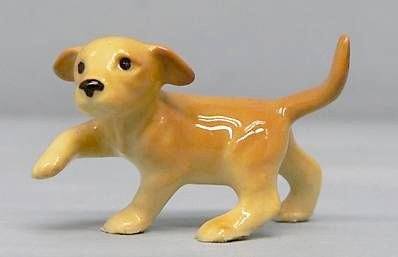 LABRADOR RETRIEVER Golden Yellow Puppy Dog raises PAW MINIATURE Figurine Ceramic HAGEN-RENAKER (Yellow Labrador Dog Figurine)