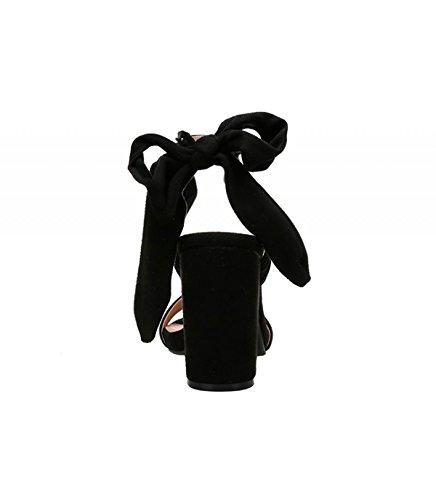 Sandalia tacón color negro. Confección en antelina. Cierre mediante lazo en el tobillo. Tacón ancho. Altura de tacón 10 cm. Negro