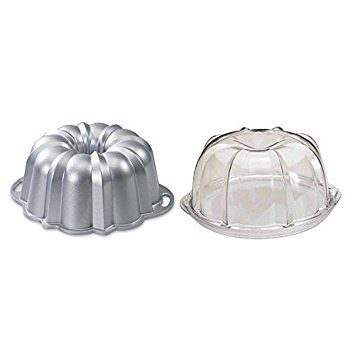 Nordic Ware Platinum Collection Original 10- to 15-Cup Bundt Pan and Deluxe Bundt Cake Keeper by Nordic Ware