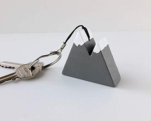 Llavero gris de madera con forma de montaña: Amazon.es: Handmade