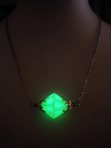 Luminous Glow in the Dark Kryptonite Crystal Necklace - Superhero Jewelry