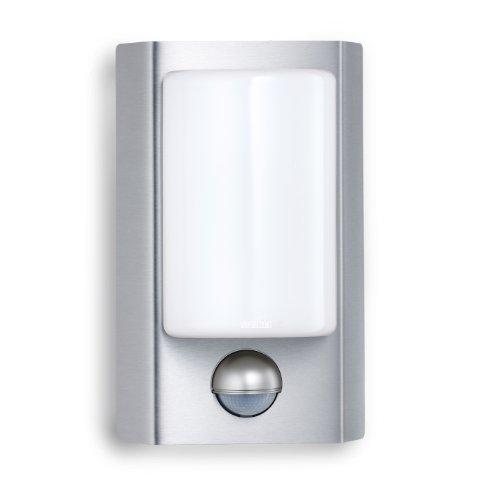 Steinel LED Außenleuchte L 610 LED mit 180° Infrarot Bewegungsmelder, Sensorleuchte mit 8 Watt LEDs und 160 lm, Wandleuchte aus Edelstahl und Opalglas, ideal für Hauseingang und Hausfront, 004026