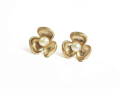 Vangobeauty Genuine 925 Sterling Silver 18K gold plated Flower Blush Pink Fresh Pearl Stud Earrings Bridal Earrings Wedding Earrings Nickel Free Lead Free