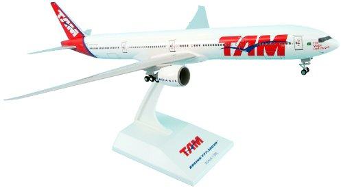 daron-skymarks-tam-777-300er-model-kit-with-gear-1-200-scale
