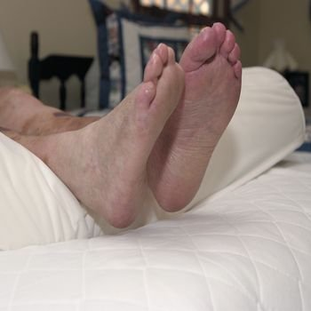 Sammons Preston Conforming Comfort Arterial Heel Positioning Device, Moisture Proof Cover -1 Each