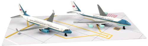 One Air Force Playset (Daron Air Force One 8cm Airplane Set)