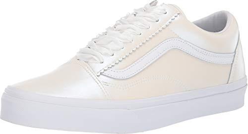 Vans Women's Old Skool Pearl Suede Classic Skate Shoe (8 Women / 6.5 Men, (Perla Suede) Classic White/True White)
