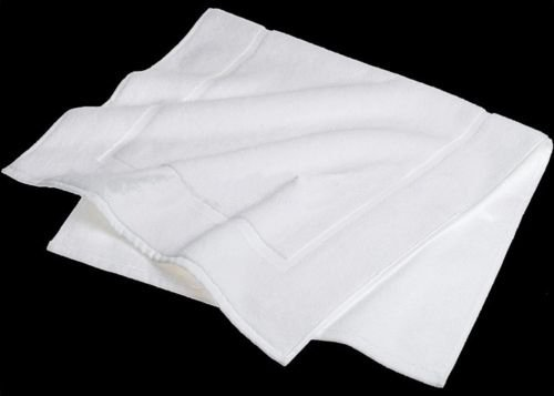 Globe House Products GHP 12-Pcs White 20''x30'' 100% Cotton Terry Bleach Safe and Absorbent Hotel Bath Mats