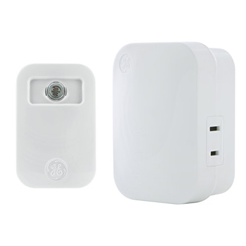 GE mySelectSmart Automatic Light-Sensing Wireless Light Control, On/Off, 2/5/8 hour Timer, 1 Outlet, 150 ft. Range Plug-In Receiver, Ideal for Lamps & Indoor Lighting, No Wiring Needed, 36237