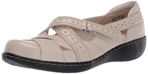 CLARKS Women's Ashland Spin Q Loafer, Ivory Leather, 085 M US