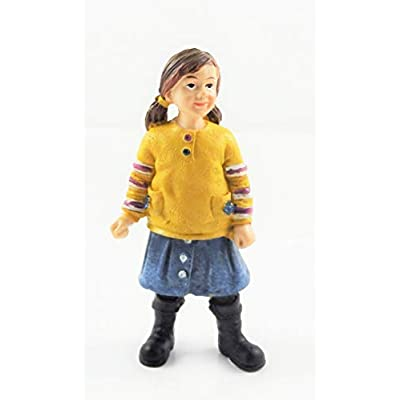 Melody Jane Dollhouse People Modern Girl in Boots 1:12 Scale Resin Figure: Toys & Games