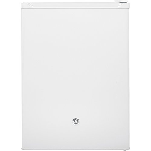 GE GCE06GGHWW Spacemaker 5.6 Cu. Ft. Compact Free-Standing Refrigerator, White On White, Reversible Door Swing