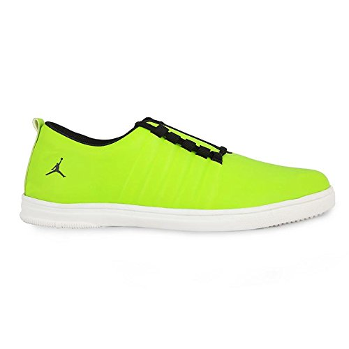 670c673e5025 U.S.TRACTION Jazzy Jordan Casual Sneakers  Buy Online at Low Prices in  India - Amazon.in