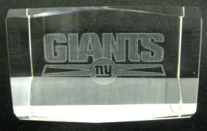 NFL NEW YORK GIANTS FOOTBALL LASER ENGRAVED 3 INCH PAPERWEIGHT ()