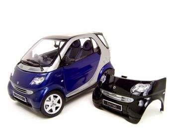 smart-fortwo-coupe-blue-118-scale-model-by-maisto