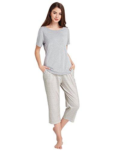 - Ladies Pajama Comfortable Sets Short Sleeve Shirts and Capri Pants Grey Size XL