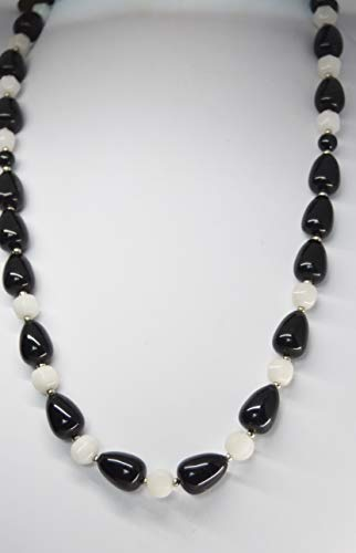 - Gemstone Onyx and White Jade beaded necklace jewelry set with matching earrings Black and White