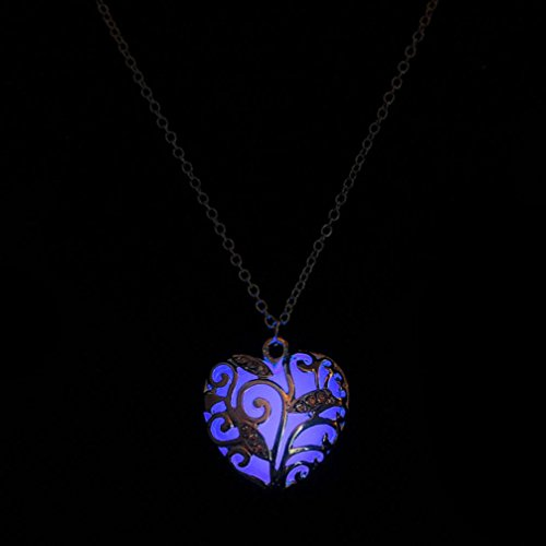 (Botrong® Glow In The Dark Heart Pendant Necklace ❤️ Fashion Jewelry ❤️ Mother's Day Gifts ❤️ for Women Girls Mom Grandma Grandmother Wife Lover Girlfriend)