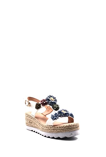 CHIC NANA Platform Wedge Sandal With Flowers. White Af78s07s0