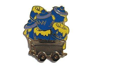 Disney Cast Lanyard Series 1 Winnie the Pooh Honey Pots on Gold Train Car Pin