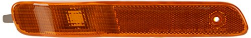 OE Replacement Saturn S-Series Front Passenger Side Marker Light Assembly (Partslink Number GM2551183)