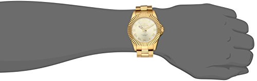 Invicta Men 16739 Pro Diver Analog Display Swiss Quartz Gold Watch