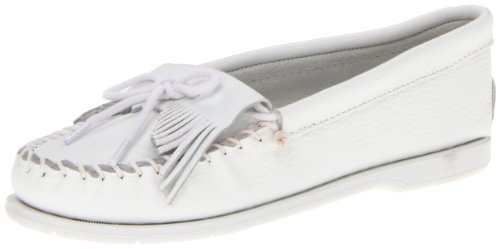 Minnetonka Women's Kilty Unbeaded Moccasin,White Smooth,7.5 M US