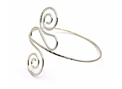 Fashion Vintage Inspired Hammered Twirl Upper Arm Armlet Bracelet in Silver Tone (Cuff Hammered Silver)